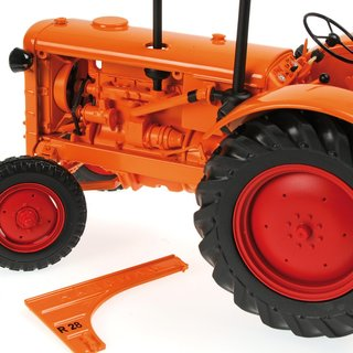 Minichamps 109153072 HANOMAG R28 - FARM TRACTOR, 1953, orange Massstab: 1:18