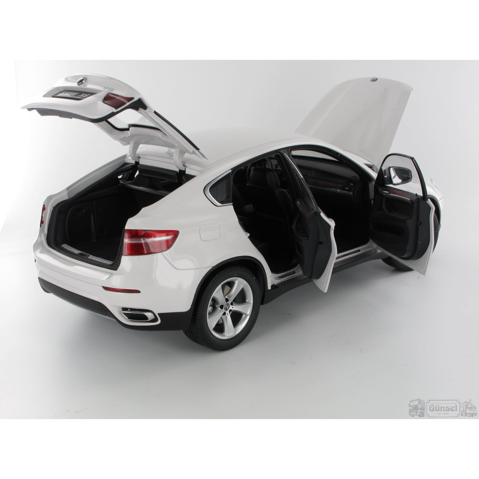 kyosho kyo8761w0 bmw x6 xdrve50i wei massstab 1 18. Black Bedroom Furniture Sets. Home Design Ideas