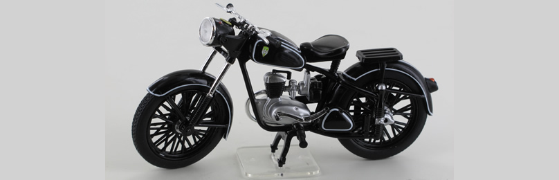IXO 24110 IFA RT 125, schwarz, 1950-54 Maßsta